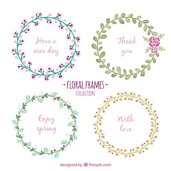 Coroas de flores delicadas com mensagem