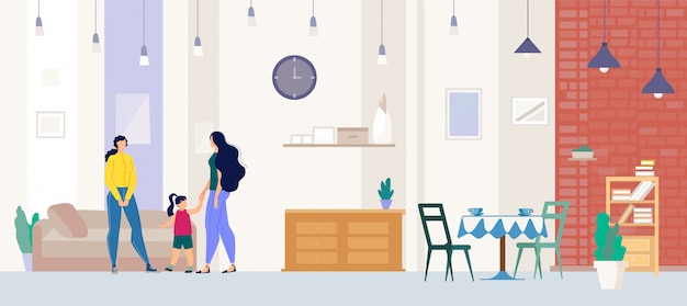 Corretor de imóveis mostrando o apartamento ao comprador