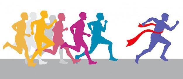Corrida de pessoas e vencedor de corridas de maratona