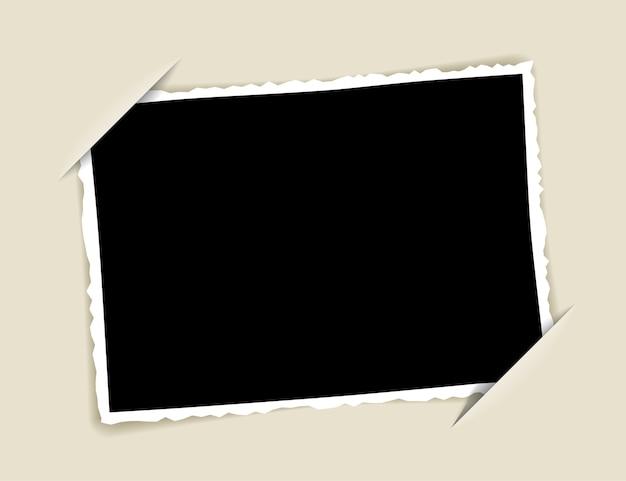 Corte no papel para anexar uma foto.