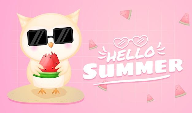 Coruja fofa segurando melancia com faixa de saudação de verão