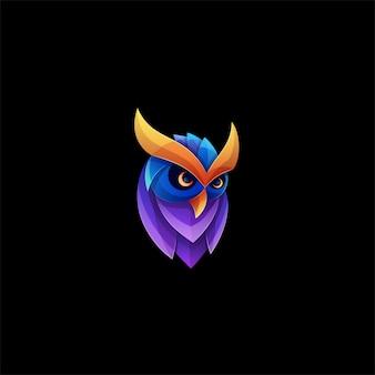 Coruja pose gradiente logotipo colorido.