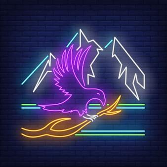 Corvo sentado no galho e montanhas sinal de néon