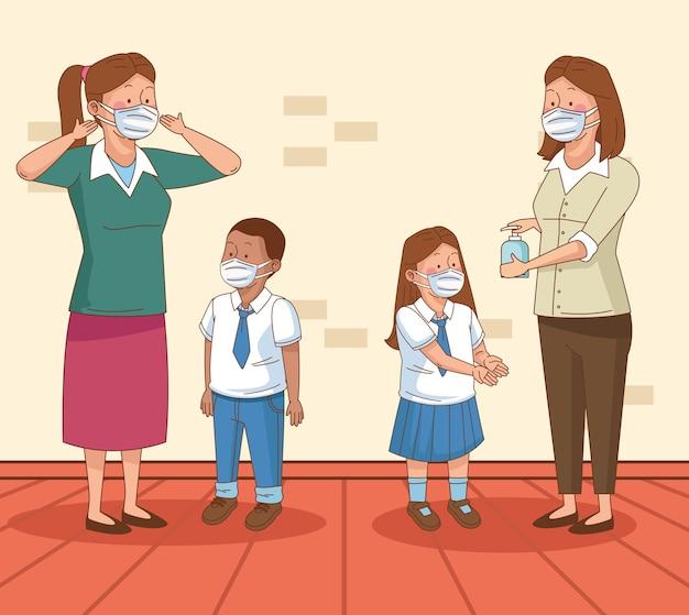 Covid preventivo na cena escolar com pequenos casal de alunos e professores usando máscaras de vetor