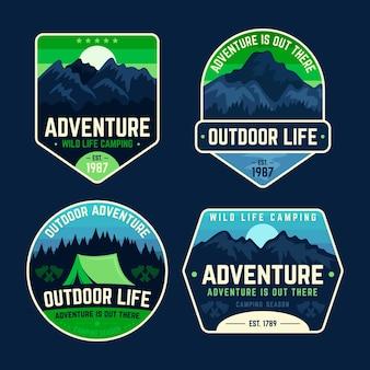 Crachás de acampamento e aventura na natureza
