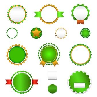 Crachás, etiquetas e adesivos sem texto no varejo. desenhado em cores verdes.
