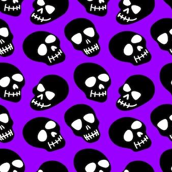 Crânio com padrão de crânios roxos em um fundo preto