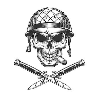 Crânio de soldado fumando charuto no capacete