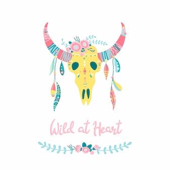 Crânio de touro étnica com penas. ilustração romântica moderna desenhados à mão em estilo boho simples dos desenhos animados em tons pastel. lettering. selvagem no coração