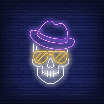 Crânio, desgastar, chapéu, e, óculos de sol, sinal néon