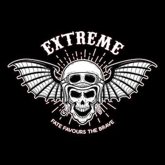 Crânio em capacete de motocicleta com asas de morcego