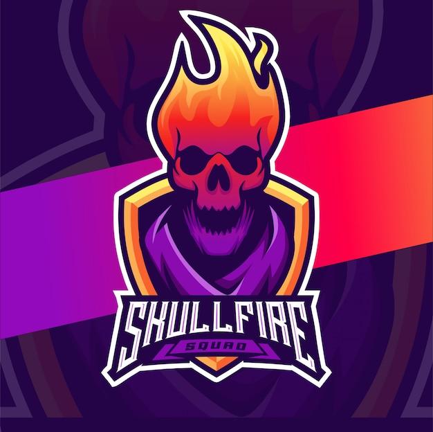Crânio fogo cabeça mascote esport design de logotipo