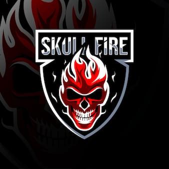 Crânio fogo mascote logotipo modelo de design