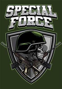 Crânio militar de design de camisa usando capacete e rifles de cruzamento