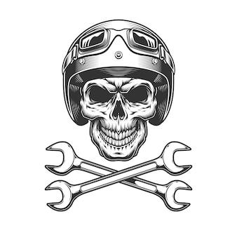 Crânio monocromático motociclista no capacete de moto
