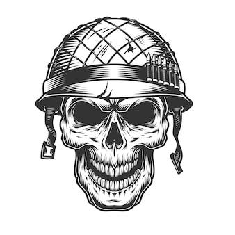 Crânio no capacete do soldado