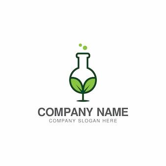 Cresça modelo de design de logotipo de laboratório verde