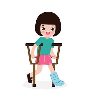 Criança asiática ferida com perna quebrada em gesso