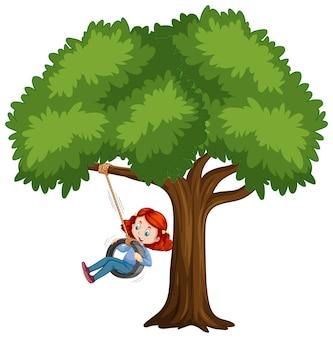 Criança brincando de balanço de pneu sob a árvore em branco