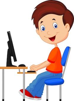 Criança, com, computador pessoal
