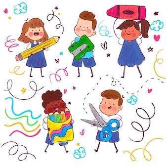 Crianças brincando com material escolar