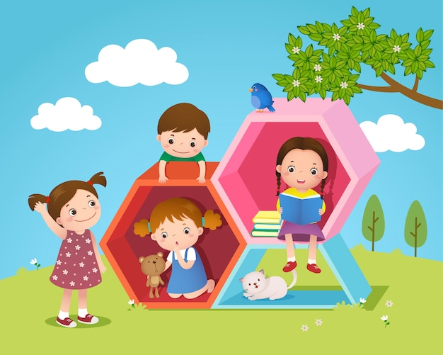 Crianças brincando e lendo com formato hexagonal no quintal