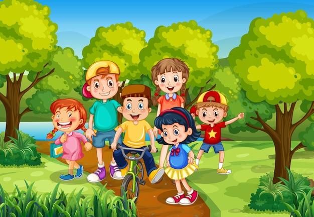 Crianças brincando na cena do parque