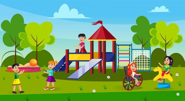 Crianças brincando no playground no parque, infância.