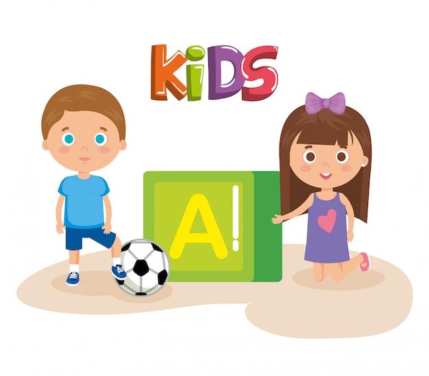 Crianças casal brincando com bloco