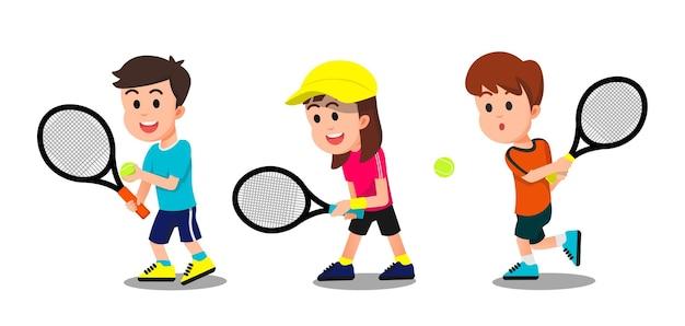Crianças com algumas poses jogando tênis