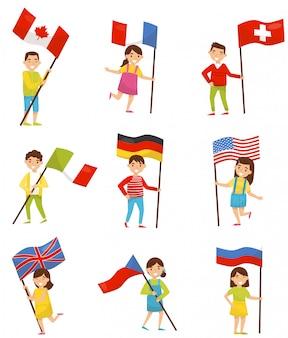 Crianças com bandeiras nacionais de diferentes países, elementos do feriado para o dia da independência, ilustrações do dia da bandeira em um fundo branco