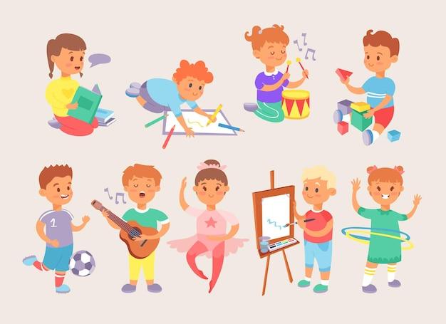 Crianças, crianças, meninos, meninas, escola e atividades esportivas, jogando tipos de jogos de parque e em casa