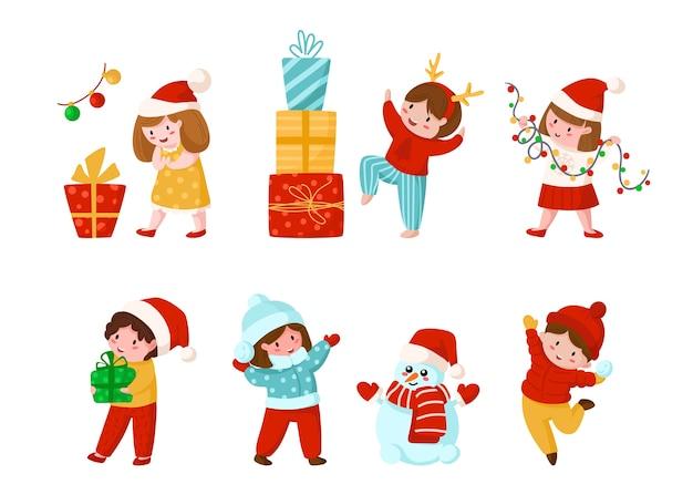 Crianças de desenho animado de natal ou ano novo com presentes, guirlanda, boneco de neve engraçado