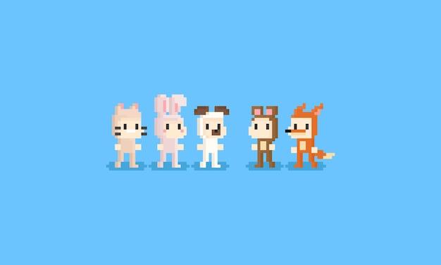 Crianças de pixel em traje animal.