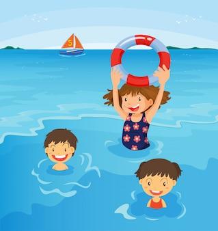Crianças de praia