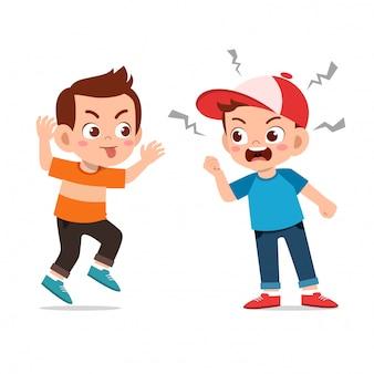 Crianças discutem briga com amigo