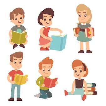 Crianças do jardim de infância ler livro estudando conjunto de caracteres ingleses