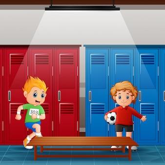 Crianças em idade escolar no vestiário após a atividade