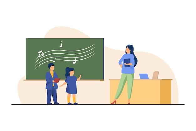 Crianças engraçadas cantando na aula de música