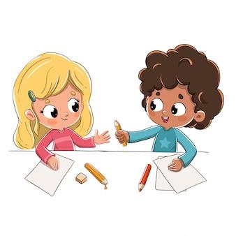 Crianças, escola, emprestando, lápis