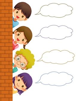 Crianças escondendo a parede com bolha do discurso