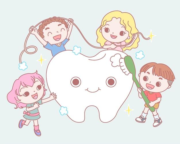 Crianças escovando um bebê de dentes saudáveis em linha