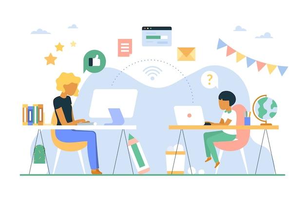 Crianças estudando on-line