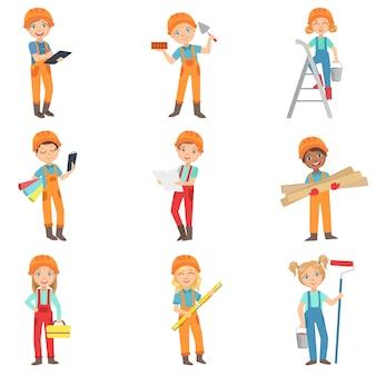 Crianças fazendo o conjunto de trabalhos de construção