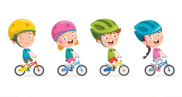 Crianças felizes andando de bicicleta conjunto