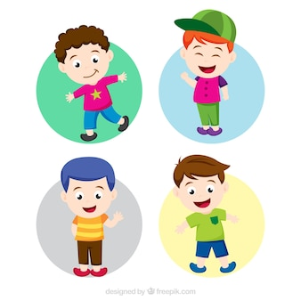 Crianças felizes com roupas coloridas