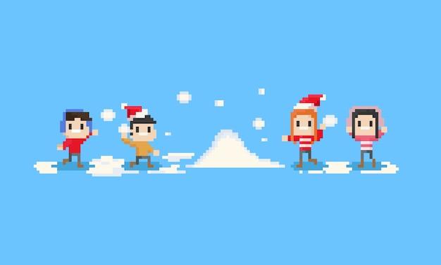Crianças felizes do pixel que jogam a neve.