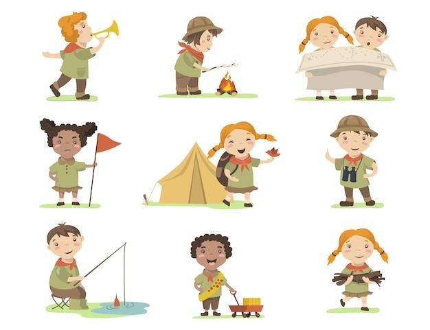 Crianças felizes em trajes de escoteiro plano definido para web design.