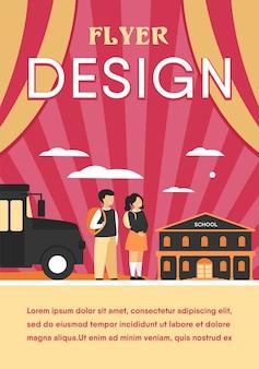 Crianças felizes esperando ônibus escolar isolado flat flyer template