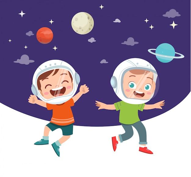 Crianças felizes, estudando astronomia